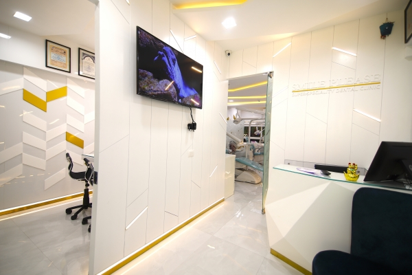 Reception at Smile Please Dental clinic in Sector 17, Vashi, Navi Mumbai
